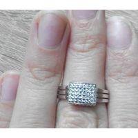 Кольцо с камешками р 16,5
