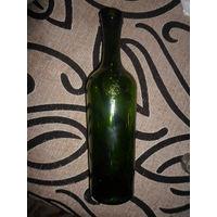 Антуражная винная бутылка