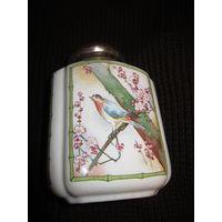 Фарфор . Баночка для чая . Старый Китай . Птица. H 15.5 см.