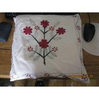 Вышивка на подушке Индия