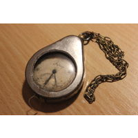 Часы Молния в футляре