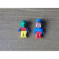 Figures LEGO FABULAND: 3782 Patrick Parrot (Photojournalist), 3633 Walter Walrus without his Motor Boat. Фигурки ЛЕГО Попугай Патрик (Фотожурналист) 1982г., Морж Уолтер без своей моторной лодки 1986