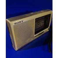 """Радио """"SONY"""" (рабочее: на запчасти или реставрацию)"""