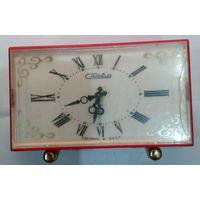 Часы будильник электромеханический