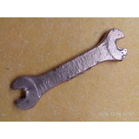 Ключ гаечный старый бронзовый