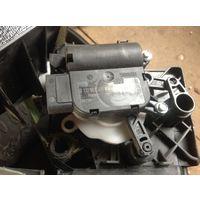 Golf 6 мотор центральной заслонки  Моторедуктор 1K0907511