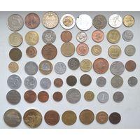 Лот 50 иностранных монет+7 жетонов