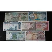 Банкноты стран Ближнего Востока 7 шт. Состояние UNC.