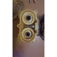 Винтажный миксер Straume, электровзбивалка вр-301, изношены пластиковые шестеренки, приводящие в движение насадки. Двигатель в отличном состоянии. Без торга.