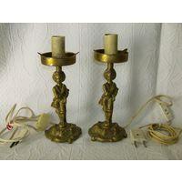 Старенькая и красивейшая  пара настольных  ламп. Бронза