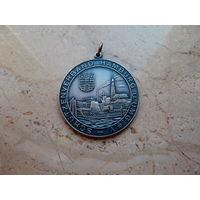 Медаль Ассоциация охраны и защиты Лучший специалист 1986 Hamburg Германия диаметр 5 см.
