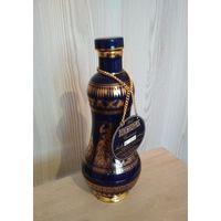 Коллекционная бутылка. Metaxa Centenary (100-летие бренда). Фарфор, 18-каратное золото, ручная работа. Выпущено в 1988 году. Внимательно читайте описание