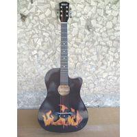 Стильная акустическая гитара