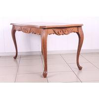 Кофейный столик деревянный.