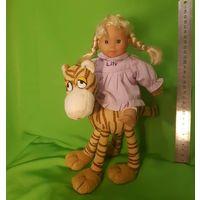 Куколка с тигренком