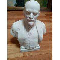 Статуэтка фарфор Ленин старая высший сорт ЛФЗ, (с рубля)