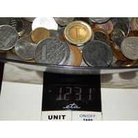 Более 1,2 кг иностранных монет без СССР,РФ,Украины и МЦ