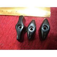 Три карболитовых тумблера-переключателя для аппаратуры.