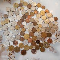 Монеты разных стран и времен 100 шт.    12