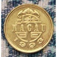 Макао 10 авос 1993 года Костюм для танца льва