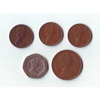 1 пенни - 1973, 1979, 1981, 2 пенса 1971, 20 пенсов 1984.