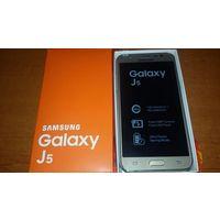 """Samsung J530 Android, экран 5.2"""" AMOLED (720x1280), Exynos 7870, ОЗУ 2 ГБ, флэш-память 16 ГБ, карты памяти, камера 13 Мп, аккумулятор 3000 мАч, 2 SIM, цвет золото, отличное состояние, родной комплект"""
