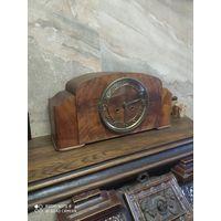 Старинные часы, рабочие.