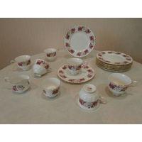 Сервиз чайный / кофейный Princess Roses 6 персон 19 предметов костяной фарфор Queen Anne Англия.