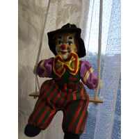 Клоун на качели винтаж