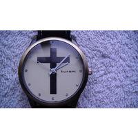 """Часы наручные кварцевые, c крестом. """"kuromi"""" ремешок чёрный, искуственная кожа. #1 распродажа"""