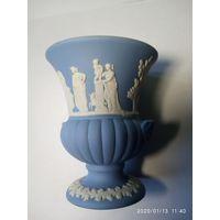 Старинная вазочка . Wedgwood- знаменитый Английски фарфор.