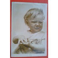Штеренберг А. Катя.  Дети. 1936 г. Чистая.