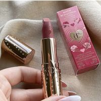 CHARLOTTE TILBURY Look Of Love Matte Revolution Lipstick 3.5g (в оттенках Wedding Belles,Mrs Kisses,First Dance)