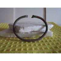 Проволочный древний браслет. Металл.