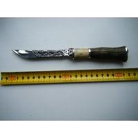 Нож.Авторская работа. Травление по металлу, рог, морённый дуб.