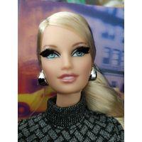 Коллекционная кукла Barbie city shopper blonde