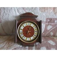 Настенные часы Антарес. На ходу.