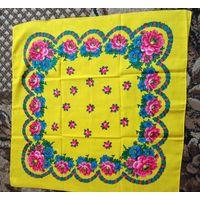 Платок  2 жёлтый с цветами