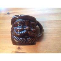 Интерьерная кружка с лицом мужичка, керамика, высота 6 см, диаметр 6 см. Идеальное состояние.