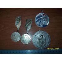 Лот медалей школьных БССР